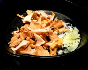Chanterelles in butter